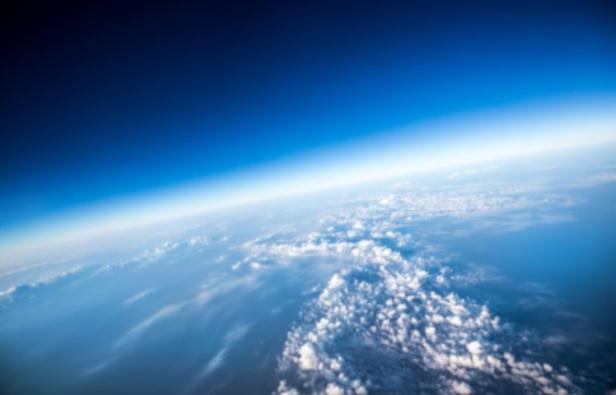 大気圏上層のオゾン層の画像