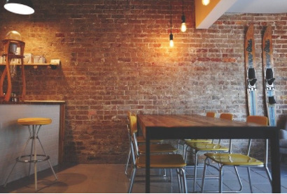 おしゃれな雰囲気の飲食店の画像